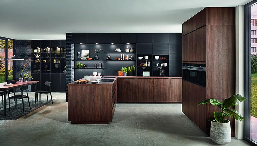 Klassieken keuken eiken en zwart